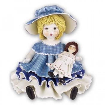 Статуэтка Девочка с куклой