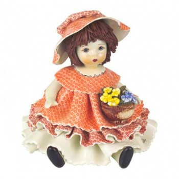 Статуэтка Девочка в розовом с цветами