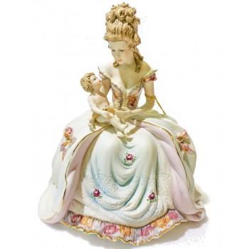 Статуэтка Материнство