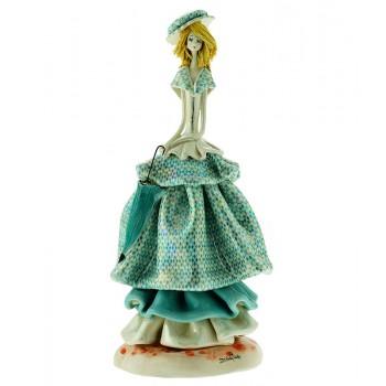 Статуэтка Леди с зонтиком