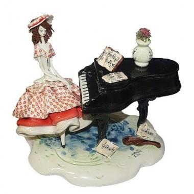 Статуэтка Леди за роялем