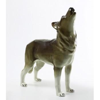 Скульптура Волк стоящий