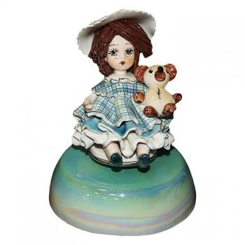 Статуэтка-музыкальная Девочка с медведем