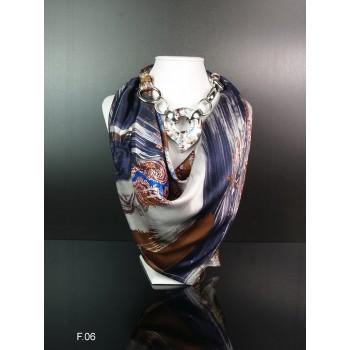 Шелковый платок с зажимом из муранского стекла