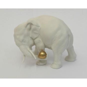 """Статуэтка """"Слон с золотым мячом"""""""