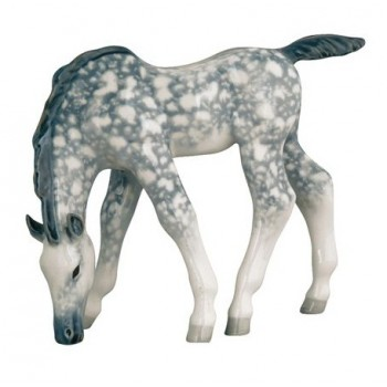 Скульптура Жеребенок пасущийся серый в яблоках
