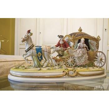 Скульптура Дама в карете