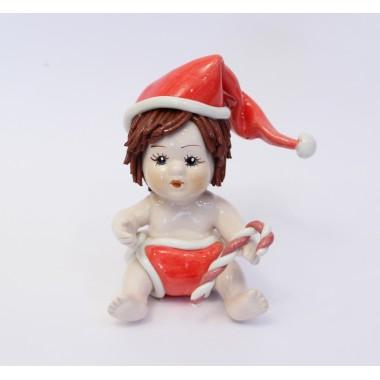 Мальчик в новогоднем колпачке